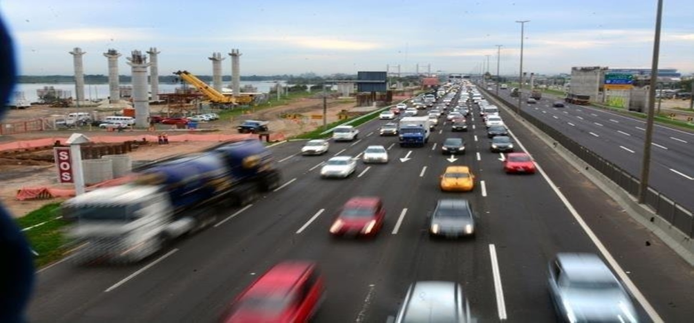 Cerca de 190 mil veículos devem retornar do Carnaval pela freeway a partir desta segunda-feira.