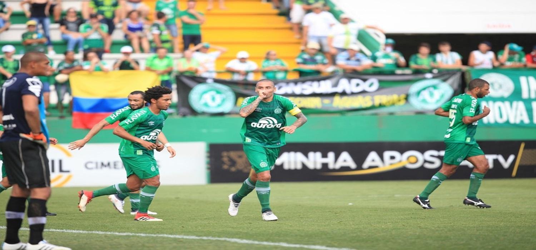 """Mais do que gols, WP9 revela perfil de cobrança na Chape e diz: """"Tenho que dar exemplo"""""""